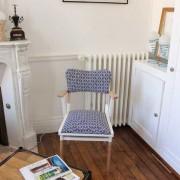 fauteuil bridge années 60 tissu géométrique noir et blanc