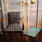 lampadaire porte couvert ikea table années 50 et fauteuil bridge motif pied de poule