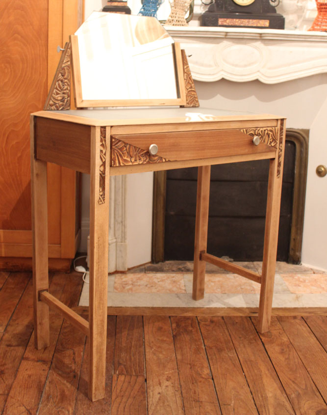 coiffeuse art d co apr s tout design. Black Bedroom Furniture Sets. Home Design Ideas