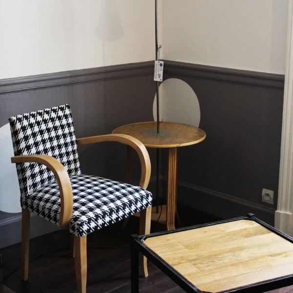 Table carrée plateau chêne, pieds métal noir