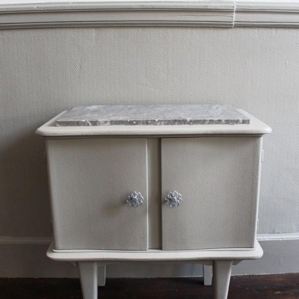 chevet vintage dessus marbre